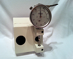 Mitutoyo-Analogue-centre-thickness-gauge